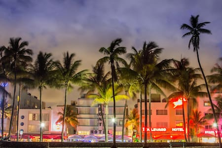 BEACHFRONT apartment in OCEAN DRIVE - Miami Beach - Apartment