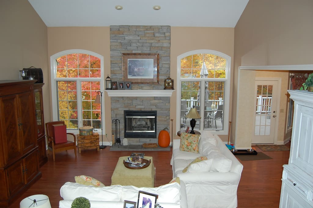 Great room perfect for entertaining