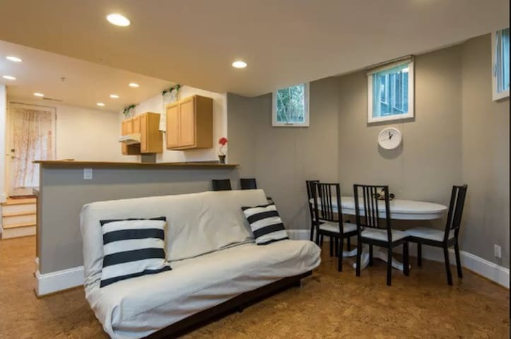 Magnificent 2BR Apartment in NW/Pearl District