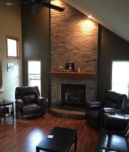 Private Floor: 2 Bedrooms & Bath - Urbandale