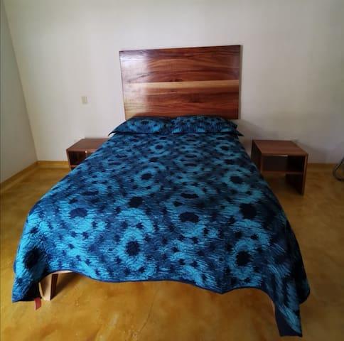 Habitaciones con camas Queen size y tina termal
