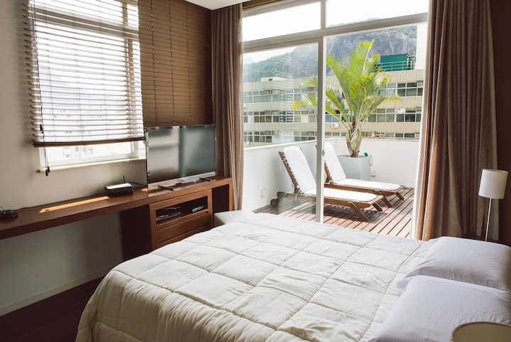 PENTHOUSE on Copacabana BEACH with CHRIST view