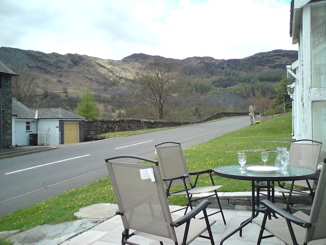 Fantastic location  cosy self catering sleeps 4+2 - Chapel Stile - Huis