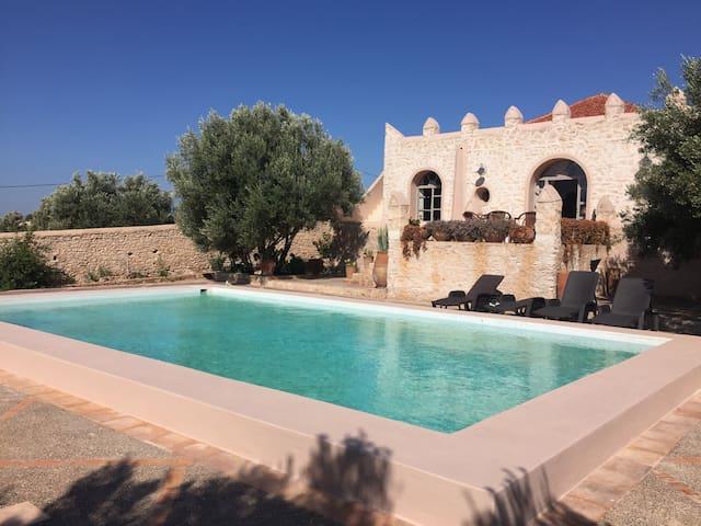 Belle demeure avec piscine - Essaouirra