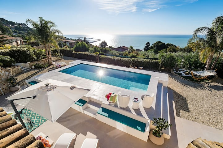 Villa Licata for 6 People, Pirvate Pool, Sea View, WiFi, A/C, Garden, Best of Sicily