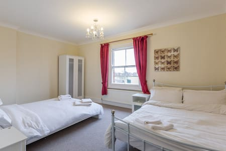 Group accommodation - Bedford - 아파트