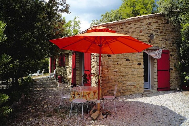 4 star holiday home in Bédoin