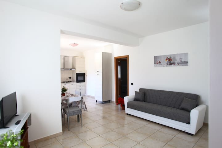 Cozy Apartment 2 Km From Sulmona Centre