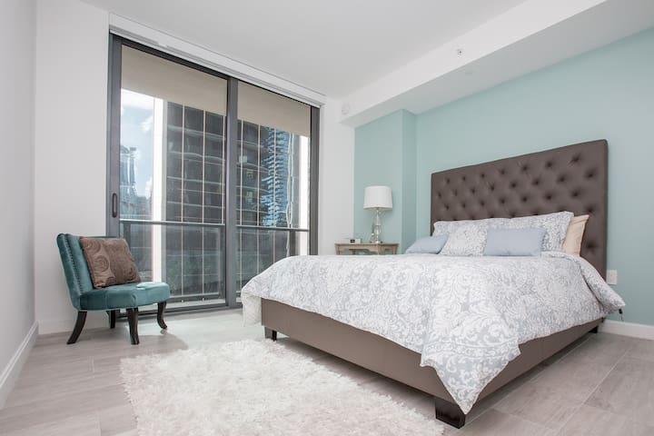 LUXURY ROOM AT BRICKELLHEIGHTS