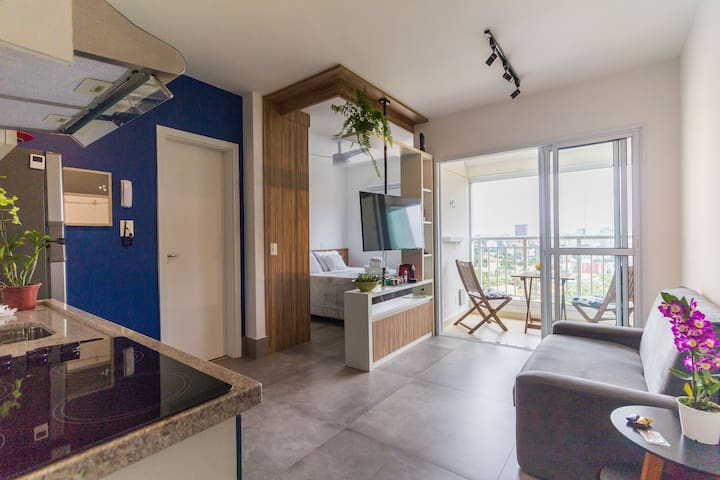 Studio at Vila Madalena, Incredible view l! Blue
