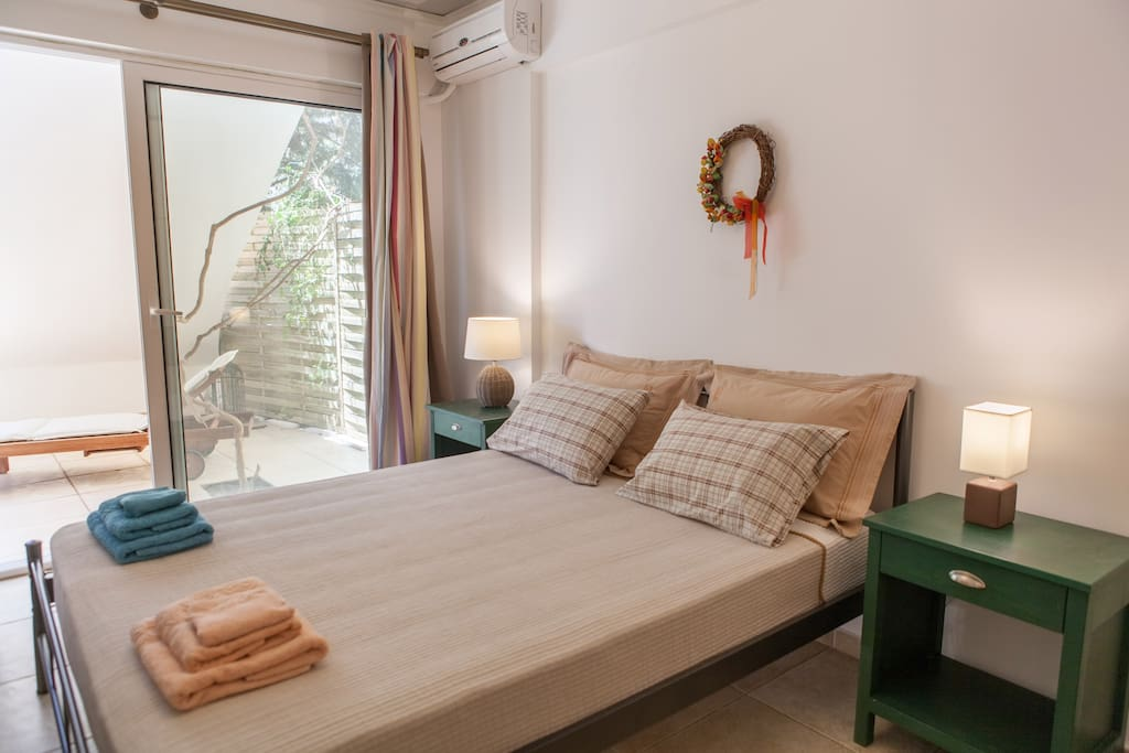 Nafplion Apartment - Double bedroom