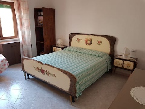 Apartment 100 m from the port and the city centre