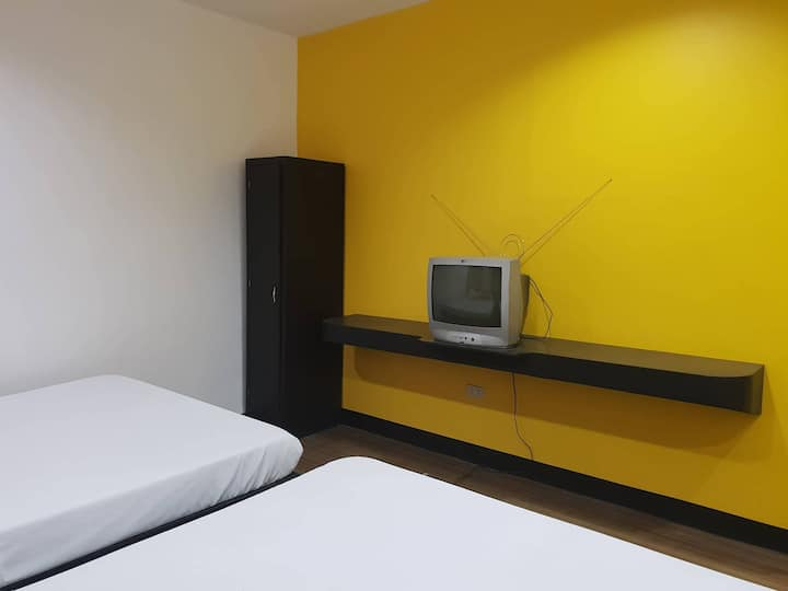 Family Deluxe Room (4 pax)