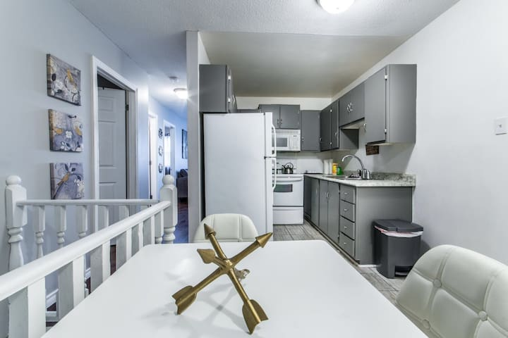 Cozy 2 Bedroom Downtown Apartment! - St. John's - Flat