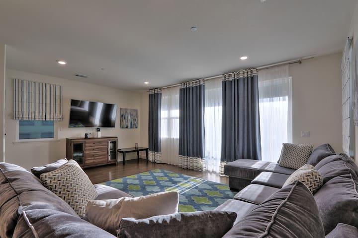 Spacious New Home in San Jose - San Jose