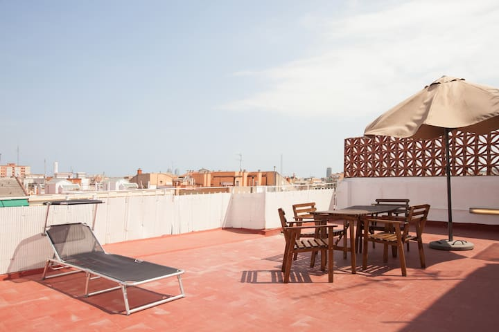 Apbcn great penthouse with solarium plaza espa a for Hotel e appartamenti barcellona