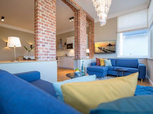 Villa Bellevue & Gartenhaus, Appartement 01