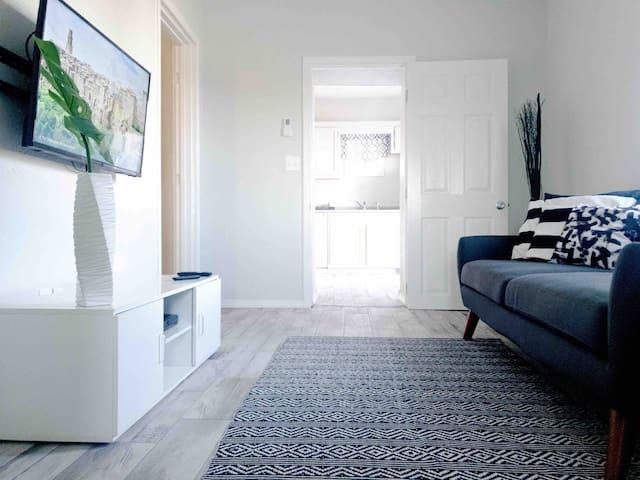 Trendy Black & Gray House Located in the ❤️ El Paso