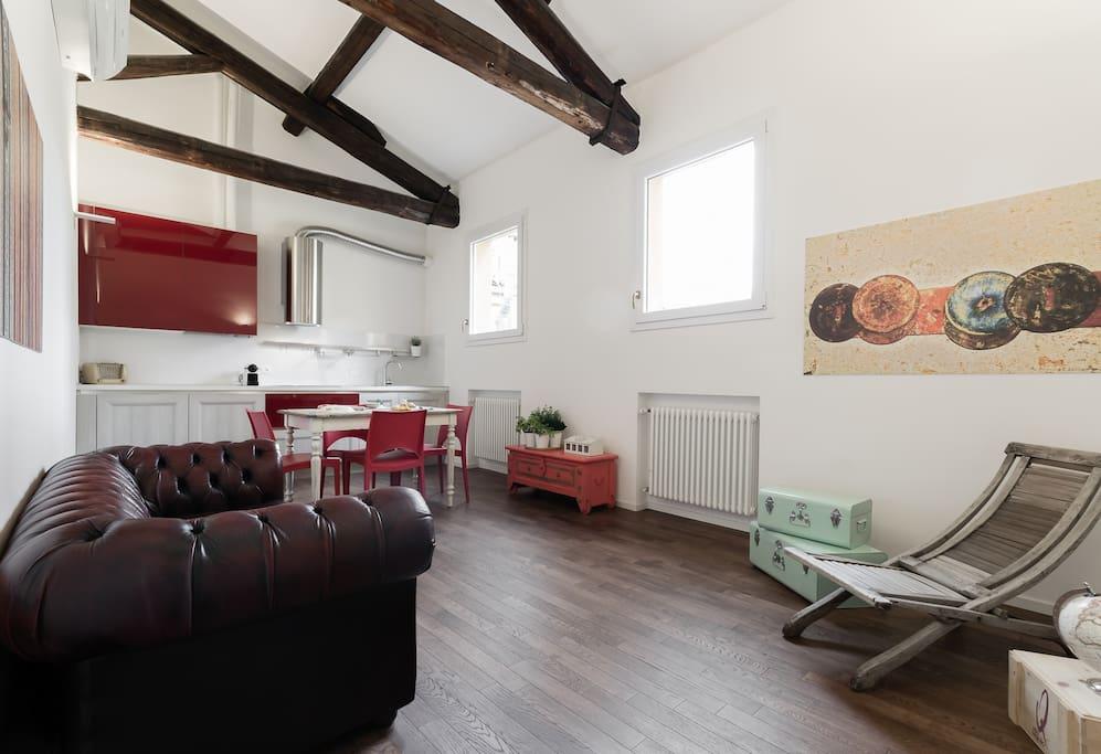 Living room - kitchen/Soggiorno-cucina