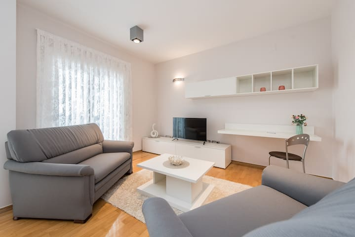Apartments Sarkic 5* (apartment 2)