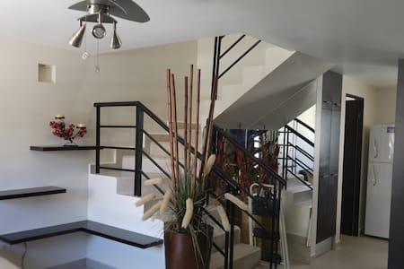 Comoda casa amueblada y centrica en Apodaca - Ciudad Apodaca - Haus
