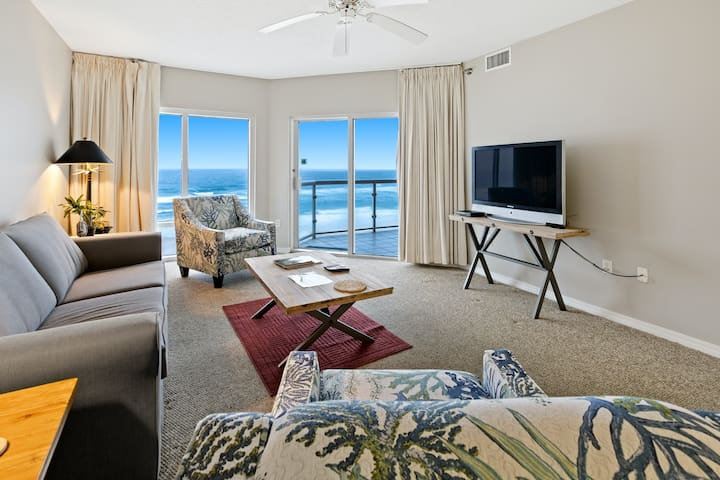 Gulf Front Condo! Onsite Pools, Fitness Center, Dry Sauna!