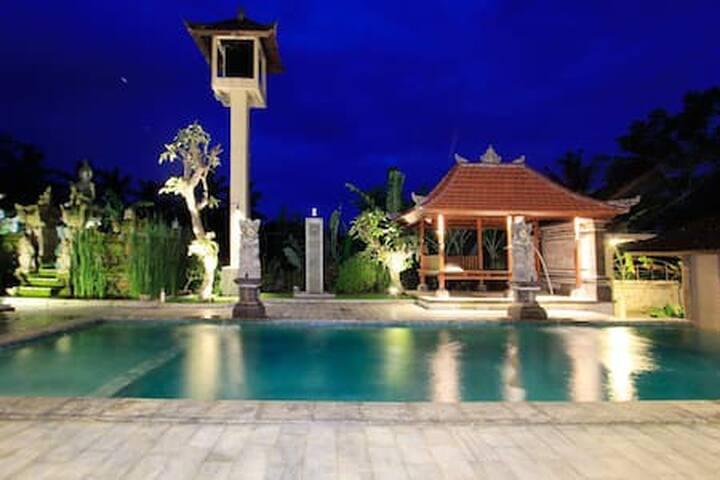 Cozy 1BR  Inang Villa/ Corner Nice room