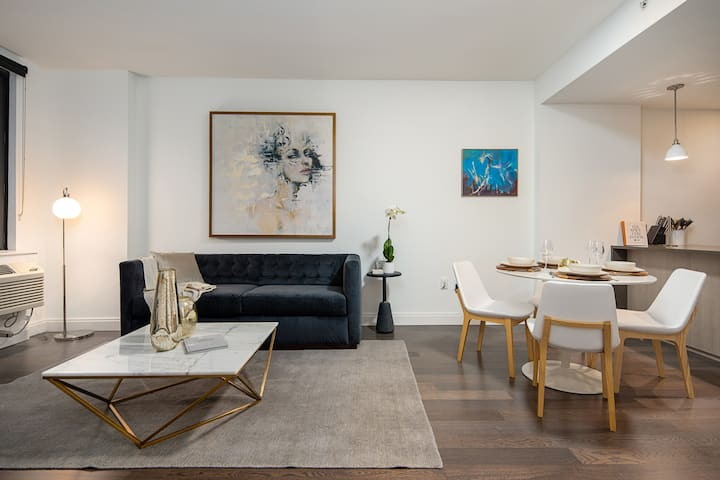 Luxurious residence in Jersey City, mins to NYC