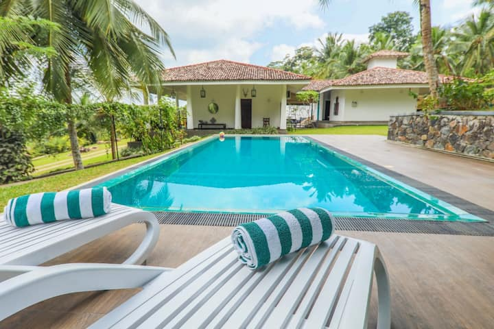 Thompson Manor (A Luxury Villa in Galle)