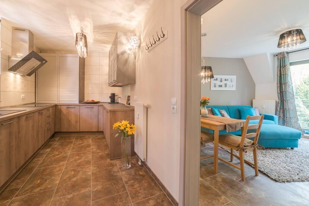 Blick zur Küche/Essbereich