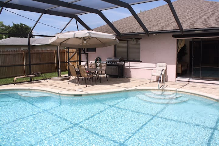 VANDERBILT/ DELNOR WigginsBeaches * Priv Pool Home