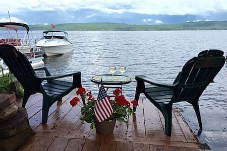 Hague Lake George Lakeside Cozy Apt Sleeps 2-4 - Lakás