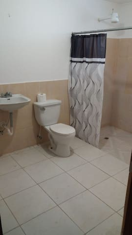 Very Good House Triple, Baño Privado