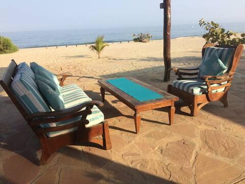 Linda Cabaña Playa Safe Haven Canoas,  Punta Sal !