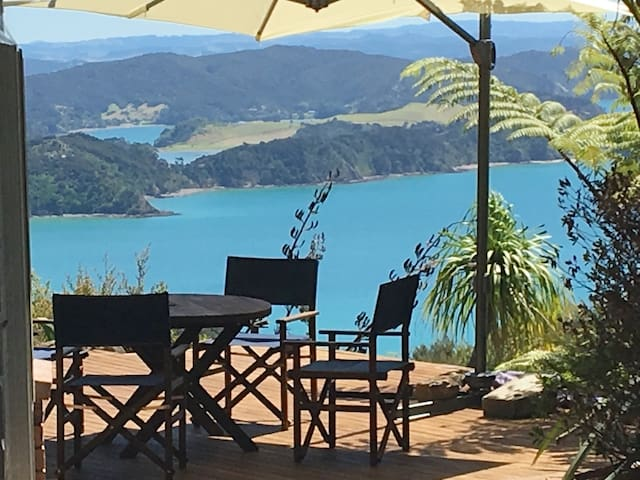 Ocean Island View - Luxury Pool Villa-Guest Wing