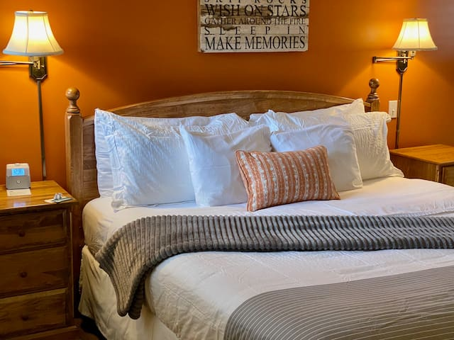 King Sized Bed & Luxury Linens in your private cottage