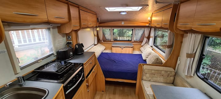Air Conditioned & Comfy Caravan By The Jungle