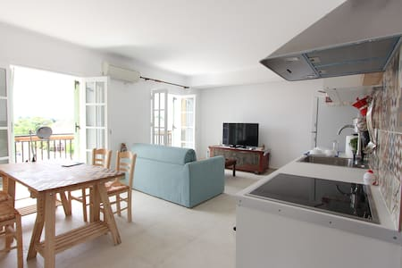 Spacious and Bright Corfu Town Flat - Kérkira