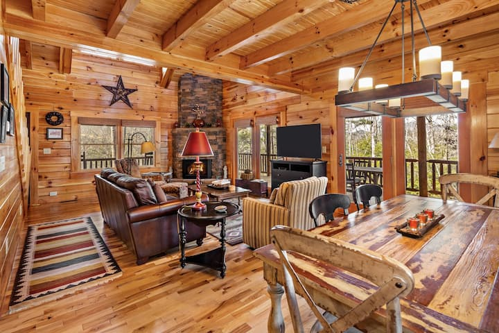 Bear With Us - Mr Lake Lure Vacation Rentals