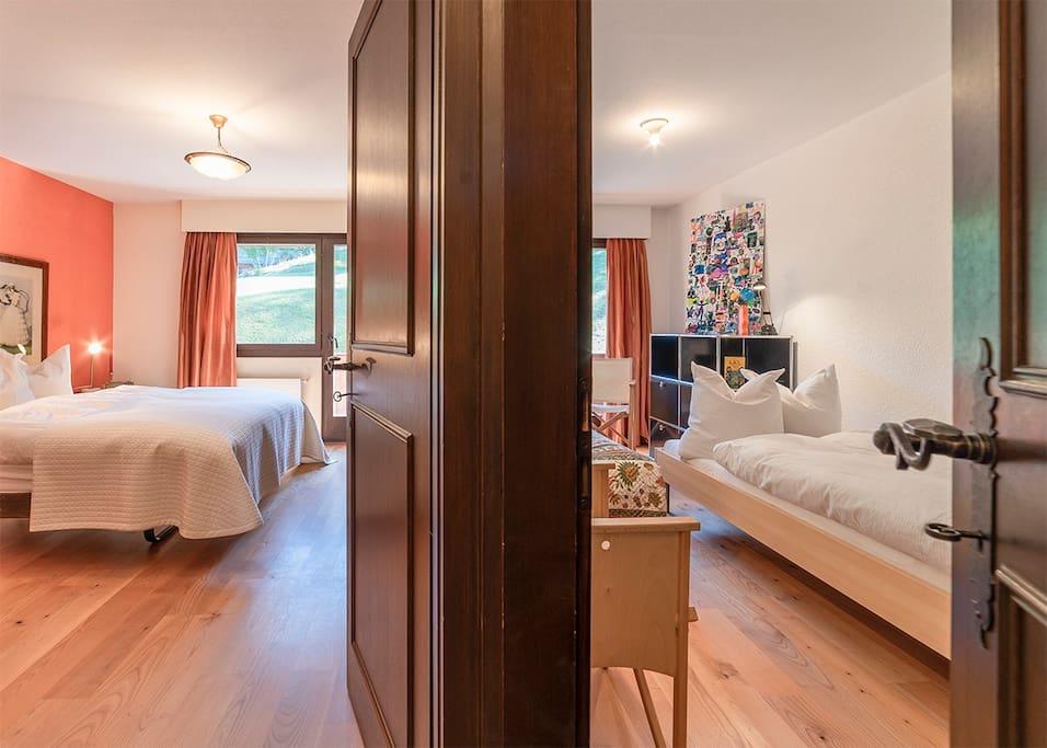 Grossen Doppelzimmer und Kinderzimmer mit 2 Betten