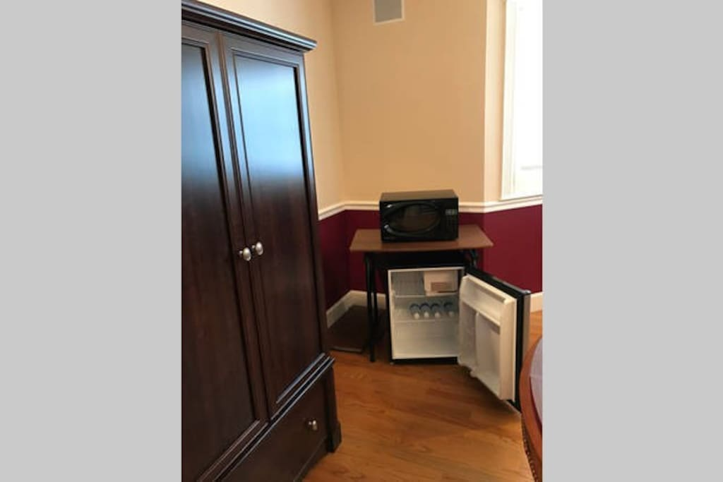 ARMOIRE TO PUT YOUR BELONGINGS.  MICROWAVE AND FRIDGE IN YOUR RETREAT