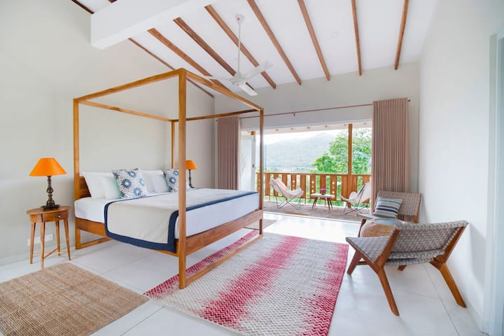 Top House Double Room - Rukgala Retreat