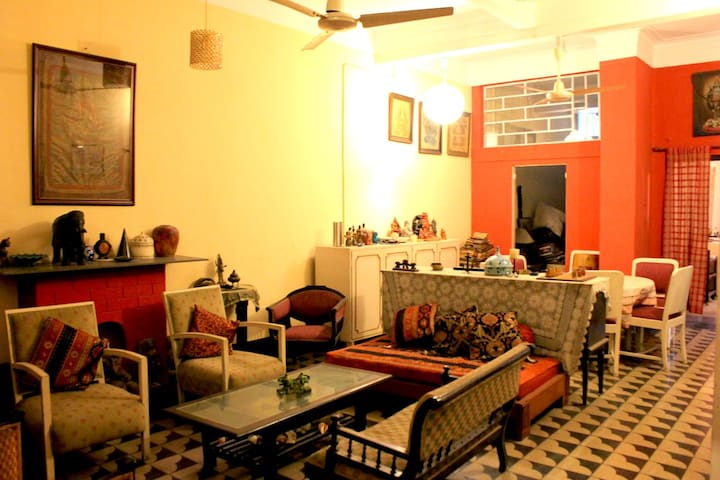The 3A: The Home and the World | Hindustan Road - Kolkata - Bungalo