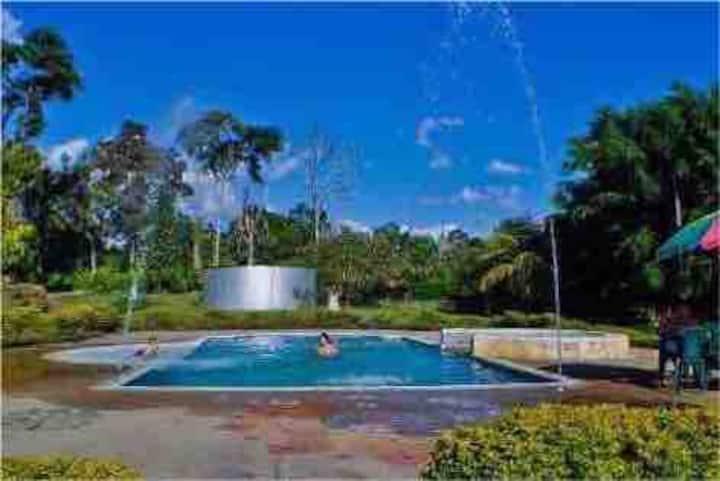 Hermosa Finca con piscina cerca al Parque del Cafe