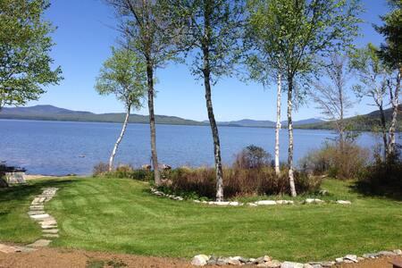 STEPPINGSTONES:quality Mooselookmeguntic Lake home
