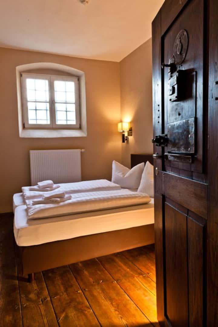 Hotel Fronfeste, Fronfeste GbR (Amberg), Doppelzelle - individuelle Einrichtung