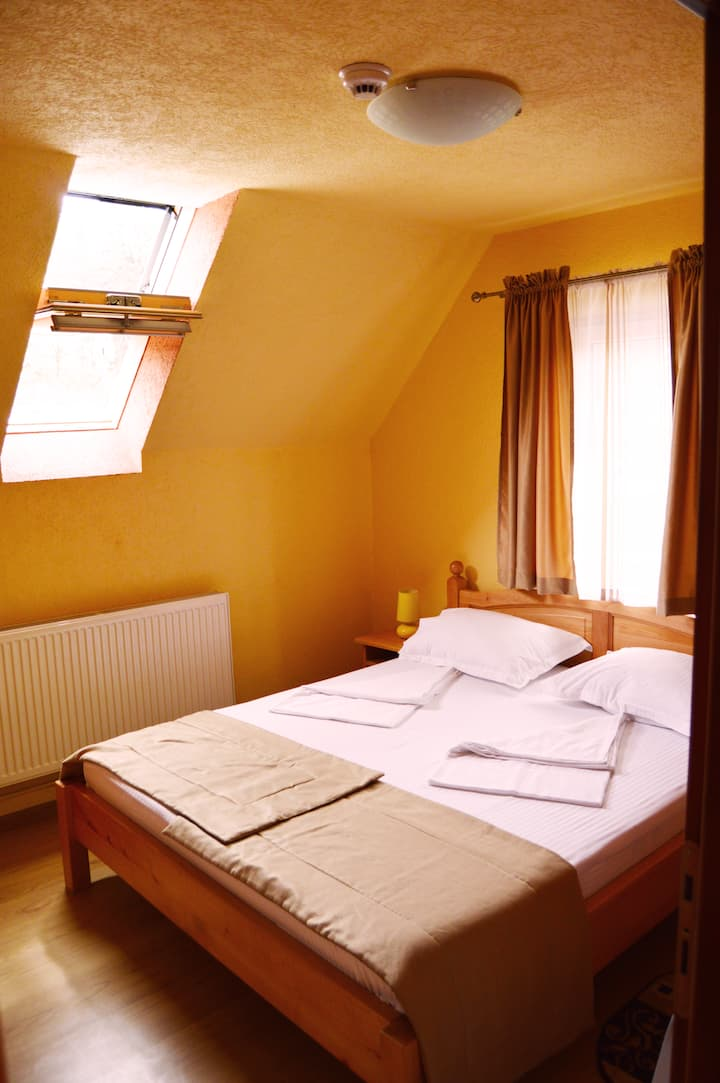 Venesis House - Double Room - no. 9