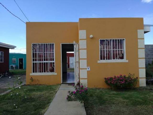 Casa pequeña y acogedora