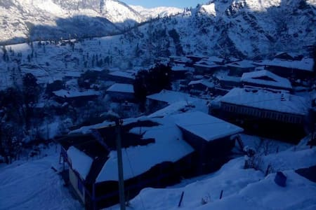Wooden Villa in the Great Himalayas - Naggar, Himachal Pradesh, IN