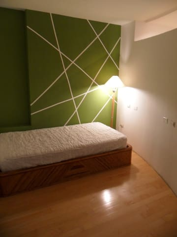 Cama individual-Private Bathroom. All commodities - Caracas - Casa
